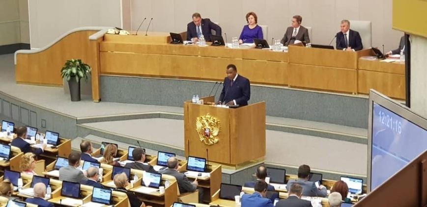 Denis Sassou N'Guesso à la Douma d'Etat.