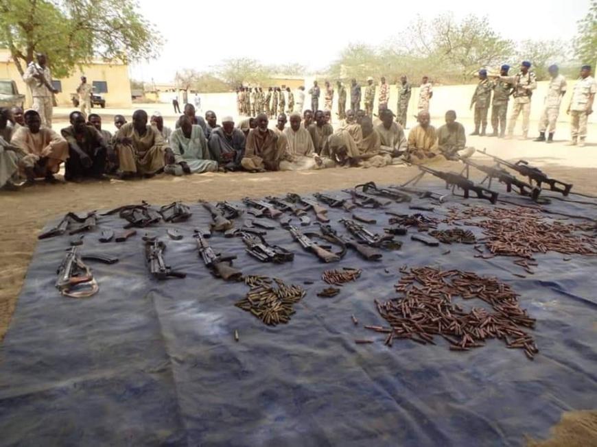 Des armes saisies à l'Est du Tchad par la gendarmerie nationale. © DR