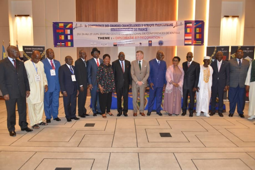 Photo de famille des participants aux assises de Brazzaville