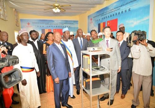 Tchad : les kits TV satellitaires offerts par la Chine profitent-ils aux bénéficiaires ?