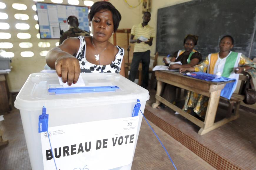 Un bureau de vote en Côte d'Ivoire. illustration. © DR
