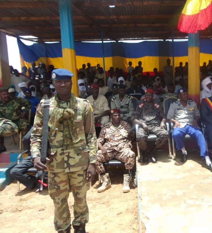 Un militaire en faction ce samedi 10 août 2019 lors de la passation de service entre les gouverneurs entrant et sortant à la Place de l'indépendance de Goz Beida, dans la province de Sila. Tchad. © Alwihda Info
