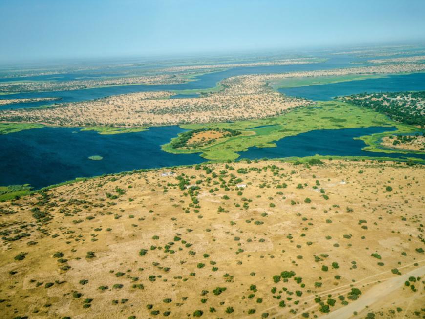 Vue aérienne du lac Tchad affecté par la désertification. © PNUD Tchad/Jean Damascene Hakuzim