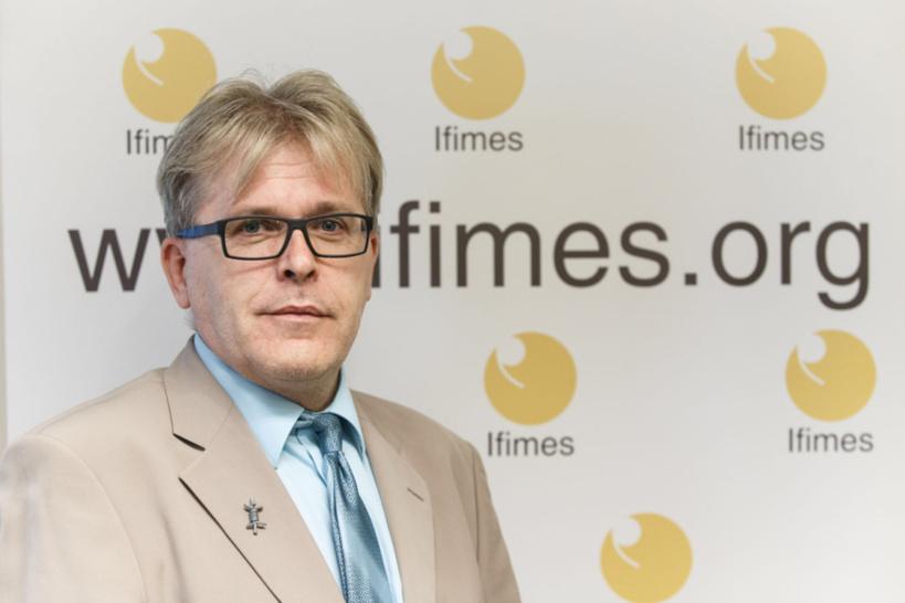 Prof. Dr. Anis H. Bajrektarevic.
