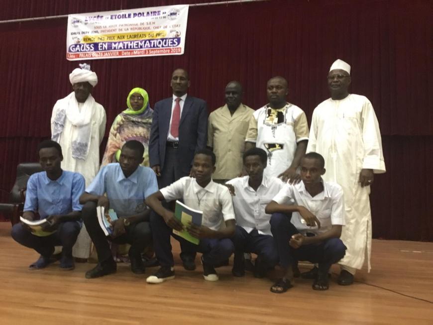 Tchad : des lauréats primés à un concours de mathématiques. ©Alwihda Info