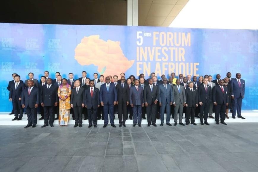 Denis Sassou N'Guesso et les invités du forum.