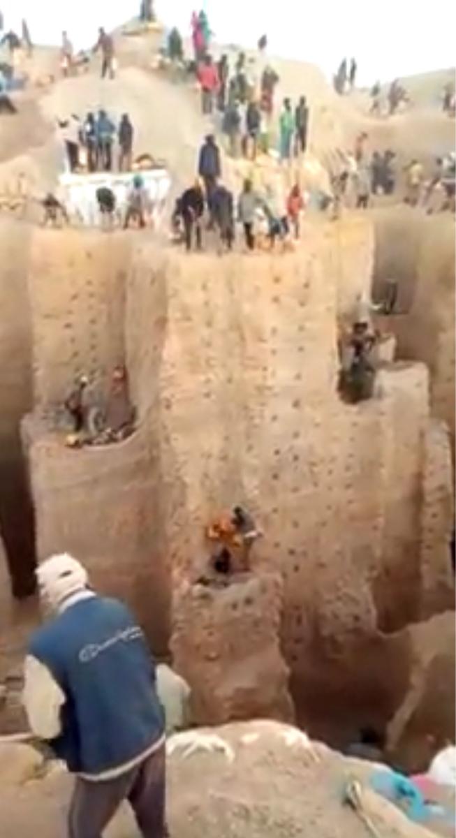 Tchad : l'écroulement d'une mine au Nord aurait fait une centaine de morts. © Images amateurs/DR