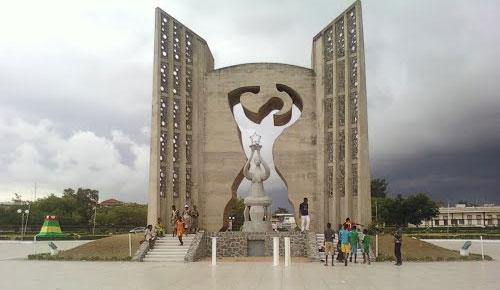 La place de l'indépendance au Togo. © DR
