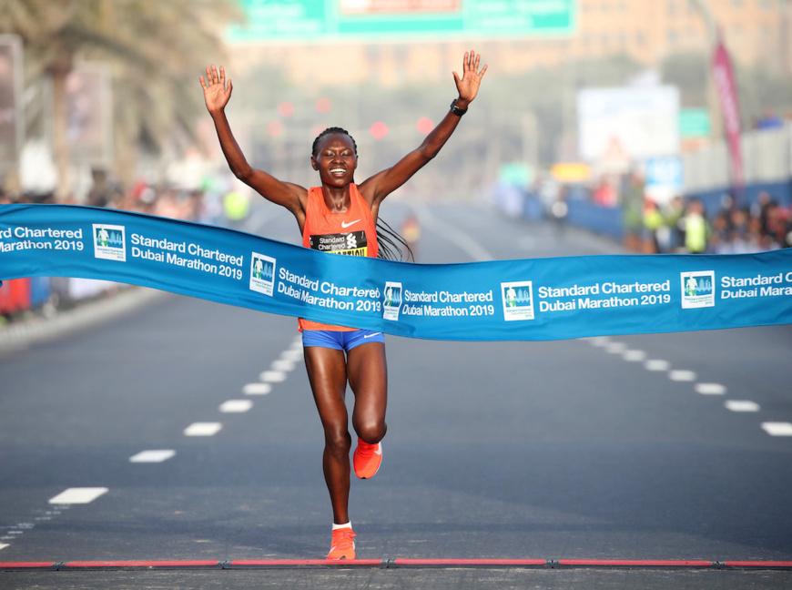 Dubaï hails chepngetich as standard chartered Dubaï Marathon champion wins world gold. © DR