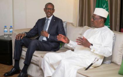 Les présidents Idriss Déby (droite) et Paul Kagamé lors d'une rencontre. © DR