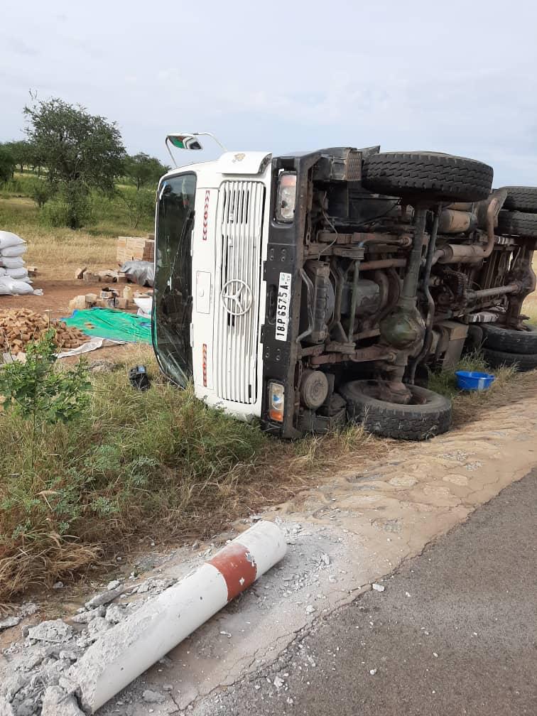 Tchad : un camion fait un tonneau à l'entrée de Mongo