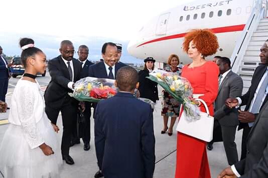 Le couple présidentiel camerounais à son arrivée ce mardi à Lyon.