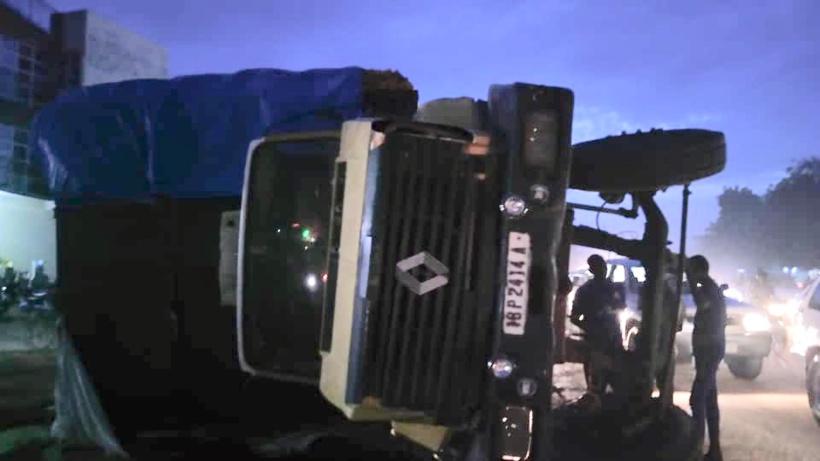 Tchad : un camion se renverse en pleine route à N'Djamena