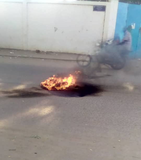 Tchad : des étudiants protestent devant le rectorat contre une exclusion