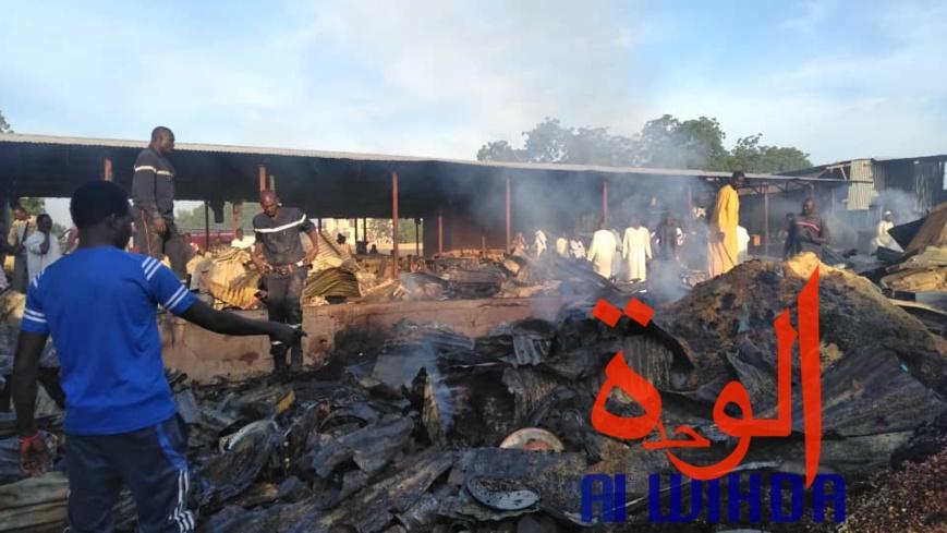 Tchad : des dégâts après l'incendie au marché de Dembé. © Alwihda Info