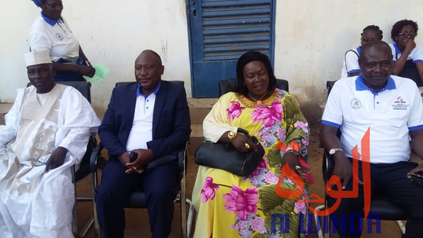 Tchad : l'Église adventiste offre du matériel à la Mairie de N'Djamena pour la salubrité. © Alwihda Info/A.C.H.