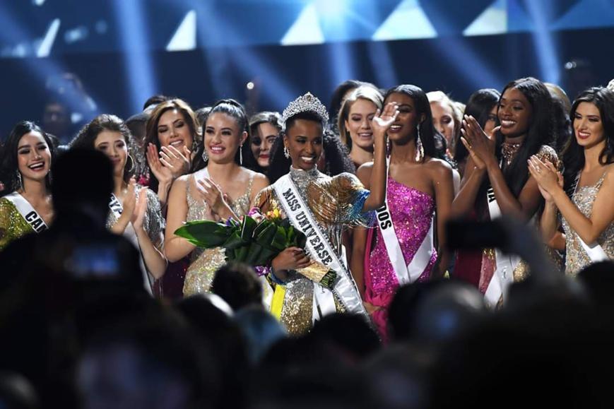 © DR. السيدة زوزيبيني تونزي تفوز بلقب ملكة جمال الكون نسخة 2019م