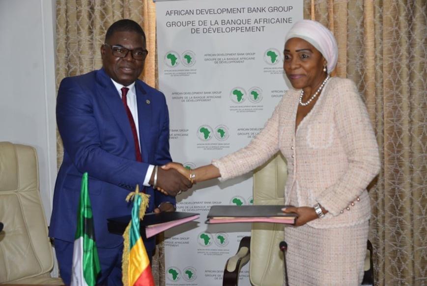 Le représentant de la BAD et la ministre congolaise.