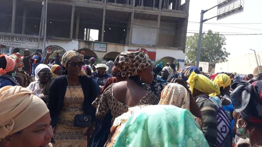 Des fonctionnaires rassemblés à la Bourse du travail de N'Djamena, le lundi 6 janvier 2020. © Alwihda Info/Djimet Wiche