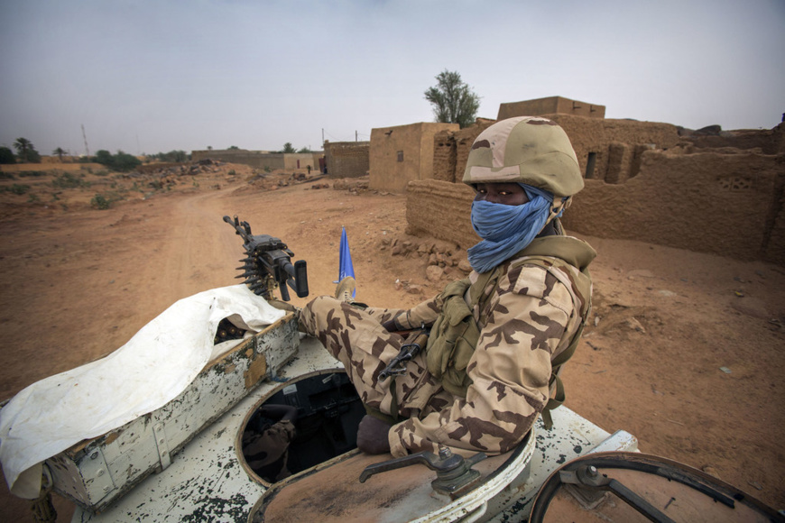 Un Casque bleu tchadien à Kidal. © ONU/Sylvain Liechti