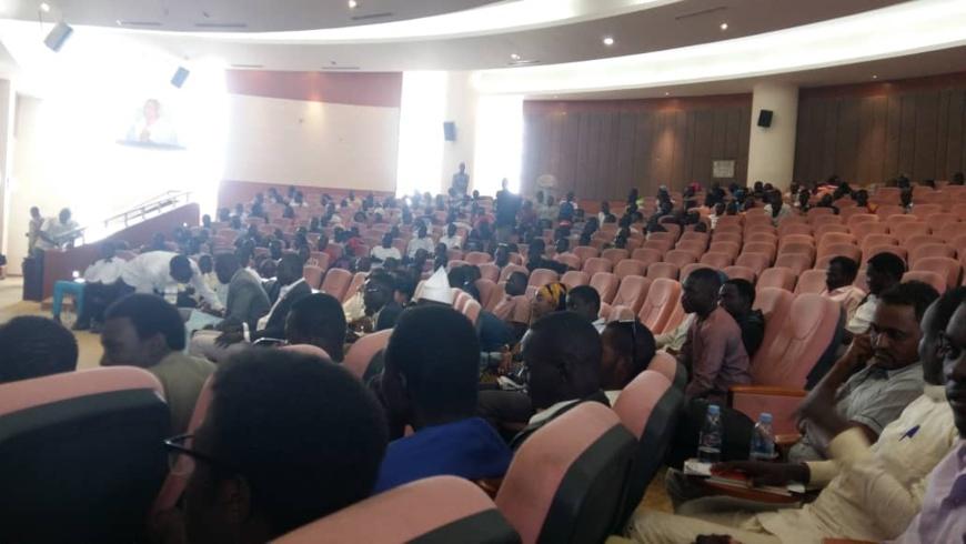 Tchad : les étudiants s'en remettent à la prière pour leurs revendications. © Alwihda Info/Abakar Chérif