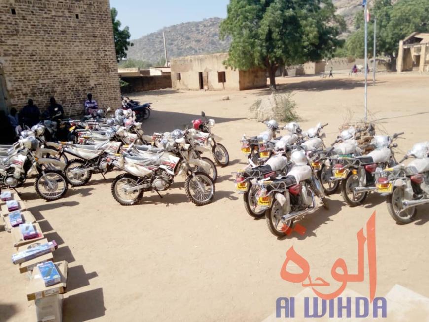 Tchad : au Guera, un important don à la délégation à l'enseignement. © Adam Ibrahim Adam/Alwihda Info