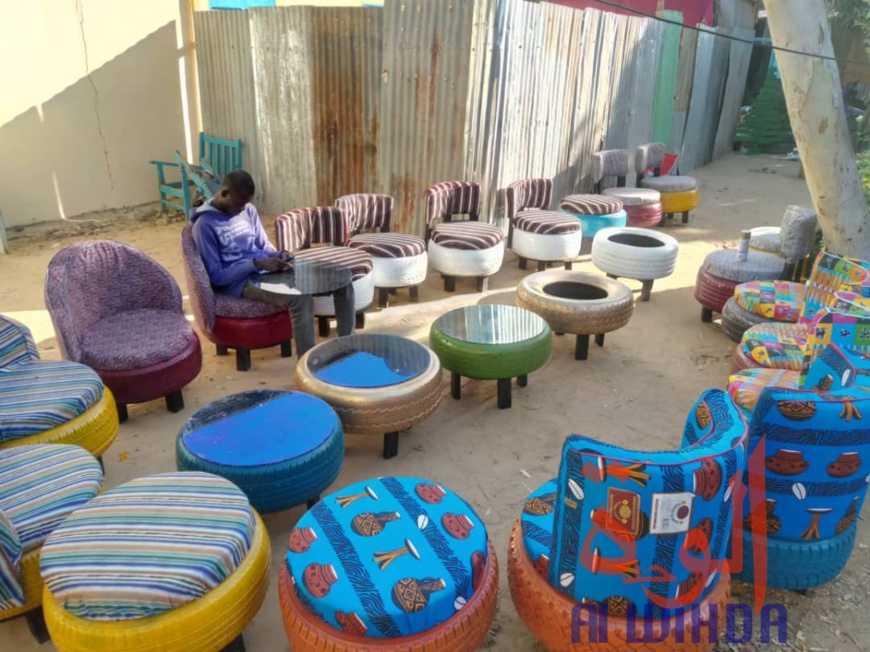 Tchad : recyclage et décoration, l'alliage parfait chez Noudji Décor & Arts. © Djibrine Haïdar/Alwihda Info