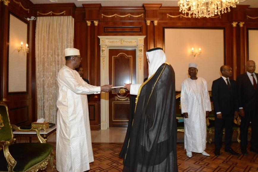 Tchad : 5 nouveaux ambassadeurs accrédités. © PR