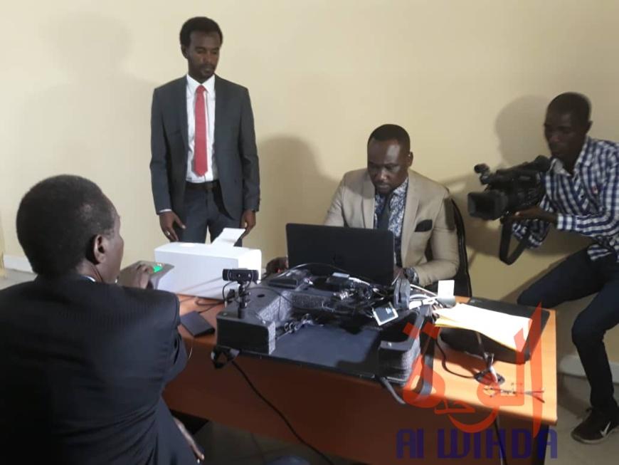 Tchad : début des opérations d'enrôlement pour les titres sécurisés à Abéché. © Abba Issa/Alwihda Info