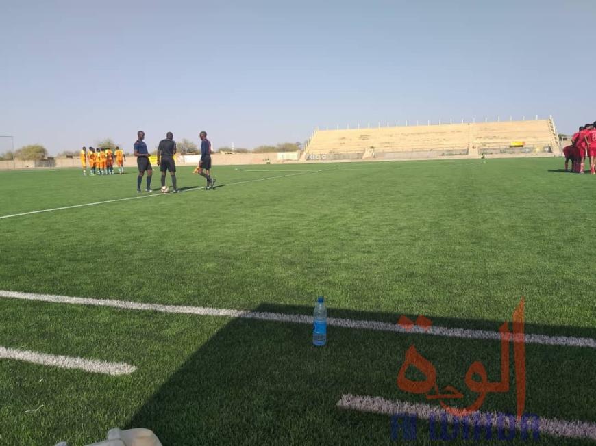 Tchad : premier match officiel sur gazon synthétique à Abéché. © Hamid Mahamat Issa/Alwihda Info