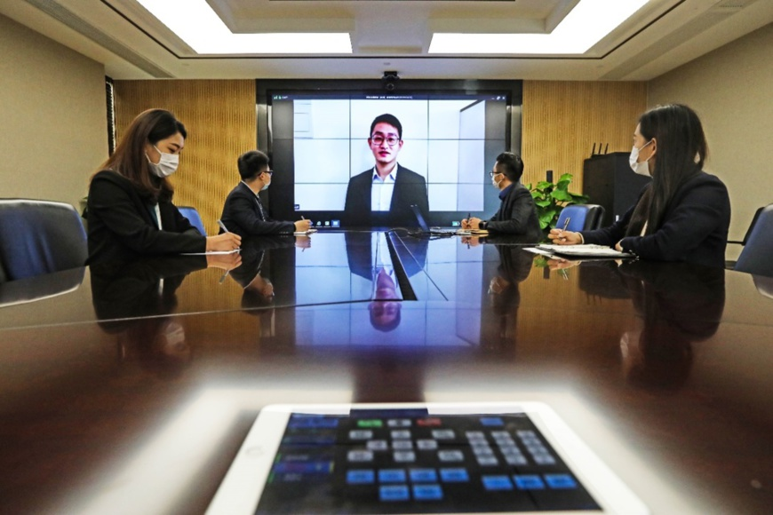 "A ""cloud interview"" is conducted by Ningbo JinTian Copper (Group) Co. Ltd., east China's Zhejiang Province to recruit new employees, March 3. Photo by Zhang Yongtao, People's Daily Online"