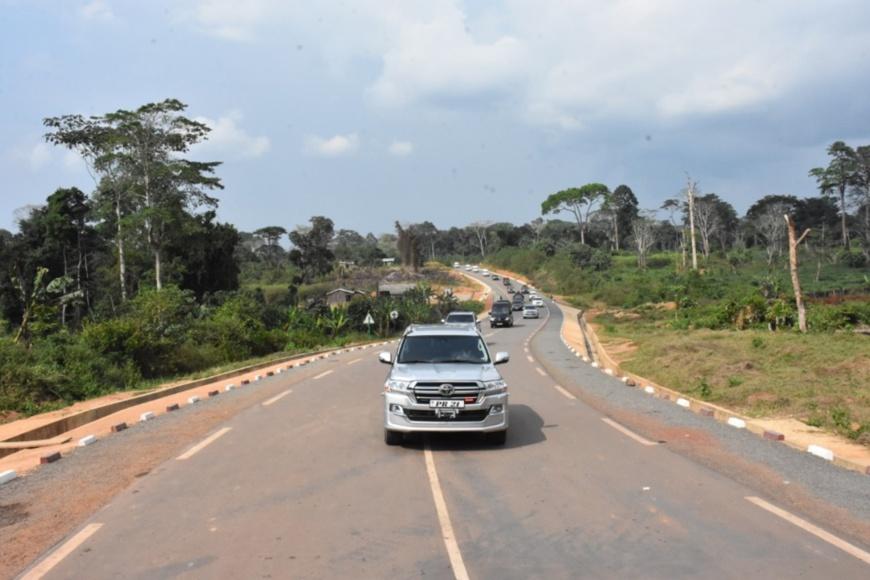 La route Sembé-Souanké-Tham (frontière du Cameroun)