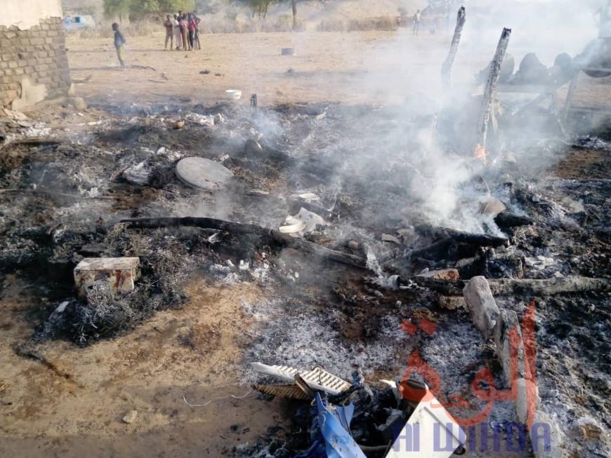 Tchad : une maison ravagée par les flammes à Goz Beida. ©Mahamat Issa Gadaya/Alwihda Info