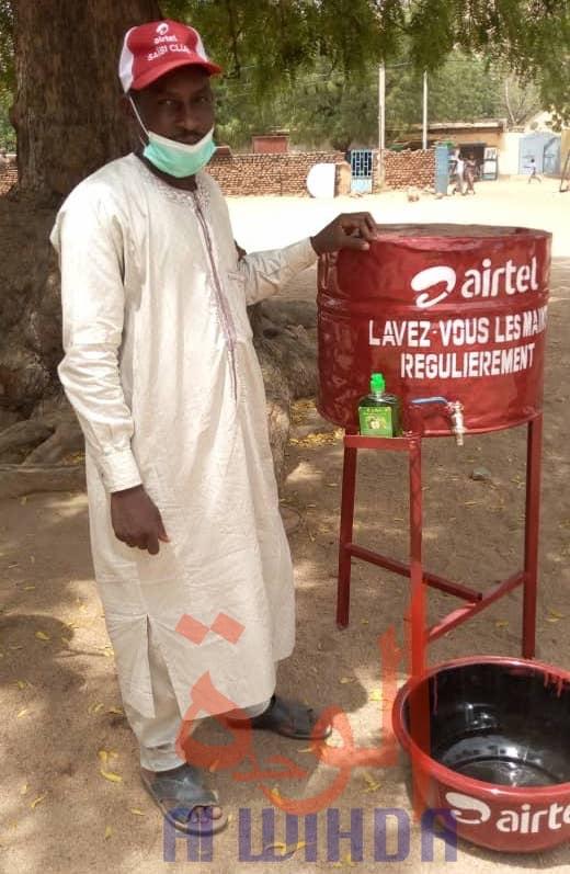 Tchad - Covid-19 : à Mongo, des réservoirs d'eau distribués pour renforcer l'hygiène. © Béchir Badjoury/Alwihda Info