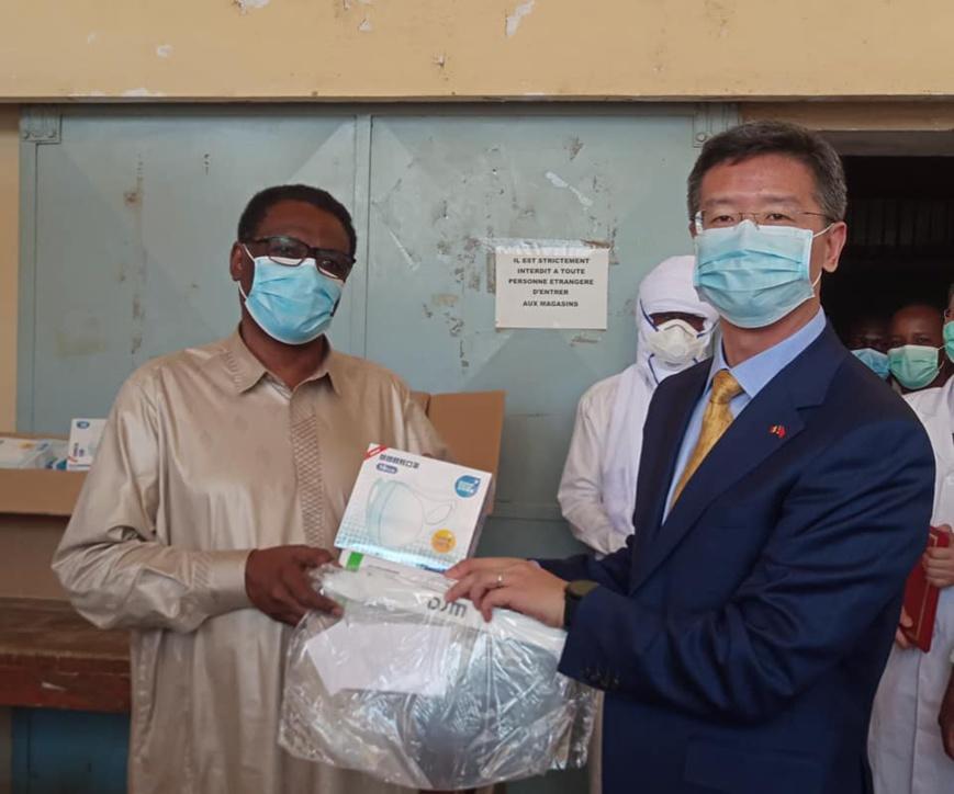 Tchad : dons de la Chine, le ministre de la santé tord le cou aux rumeurs. © Dr/min.sp