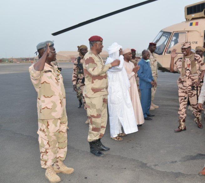 Tchad : Idriss Déby de retour à N'Djamena après 17 jours au Lac. © PR