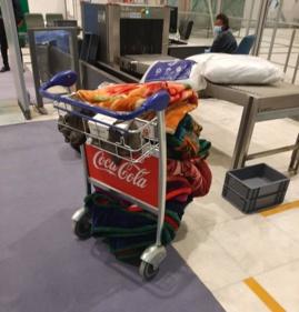 Une aide de l'Ambassade du Tchad à Addis Abeba apportée à des ressortissants bloqués à l'aéroport ce jeudi. © DR