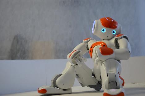 Le robot PGuard fait respecter le confinement à Tunis