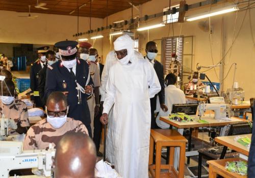 Tchad : l'armée mobilisée pour la fabrication de millions de masques