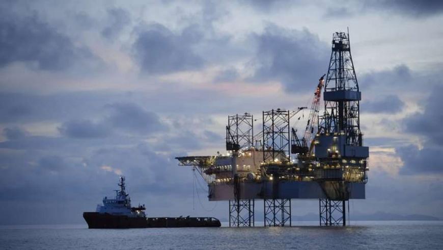 Une plateforme pétrolière. Illustration. © Press CA