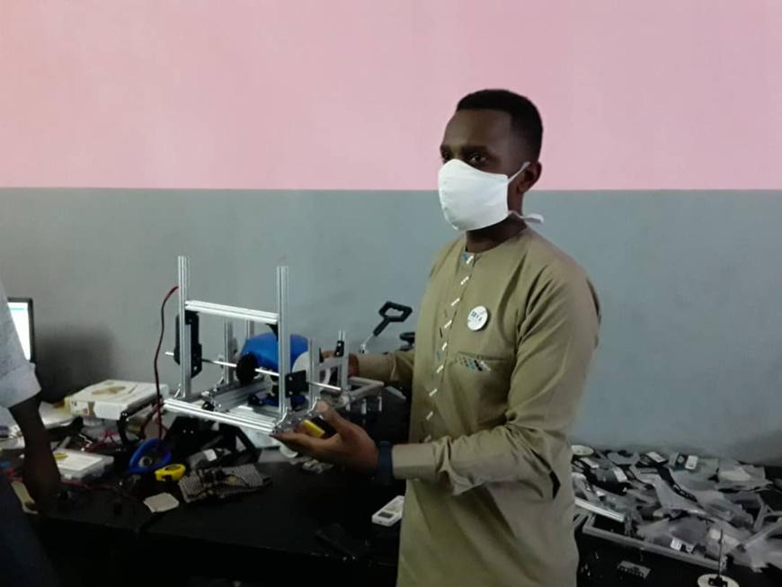 Tchad : la créativité des jeunes au service de la lutte contre le Covid-19. © Abakar Chérif Hamid/Alwihda Info