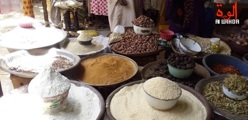 Des denrées alimentaires exposées au marché d'Ati, au Tchad. © Hassan Djidda Hassan/Alwihda Info