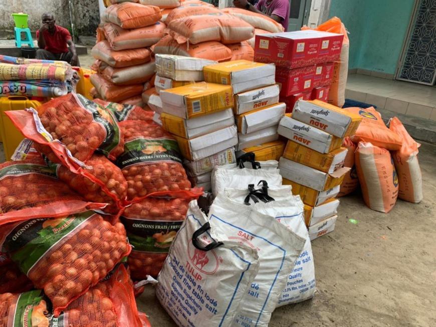 Congo/COVID 19 : distribution des vivres et masques de protection par le député Brice Dimitri Bayendissa aux personnes les plus fragiles