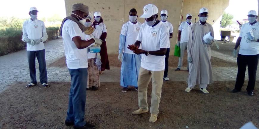 Tchad - Covid-19 : les distributions de masques se multiplient à N'Djamena. © Mahamat Abdramane Ali Kitire/Alwihda Info