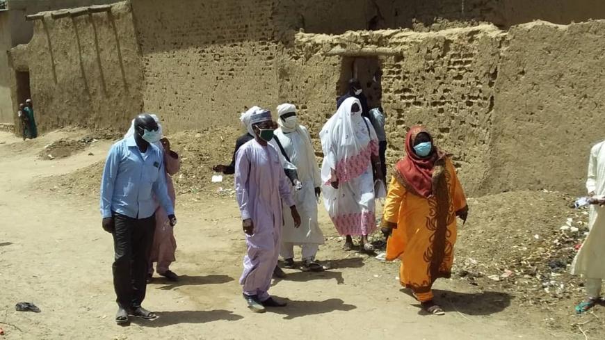 Tchad : à Ati, les autorités distribuent des masques de porte-à-porte aux vulnérables