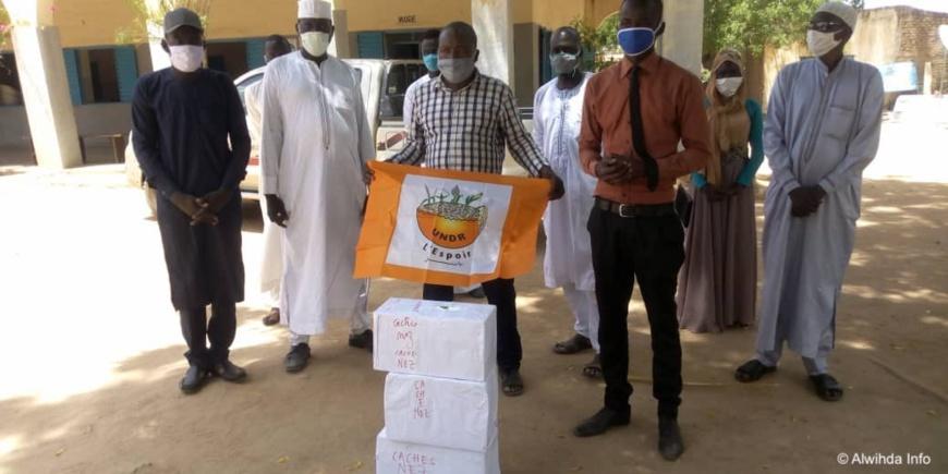 Tchad : à Mongo, un millier de masques offerts par l'UNDR au comité de crise. © Béchir Badjoury/Alwihda Info