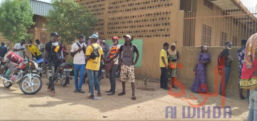 Tchad : à N'Djamena, les étudiants s'enregistrent pour leur retour au Cameroun