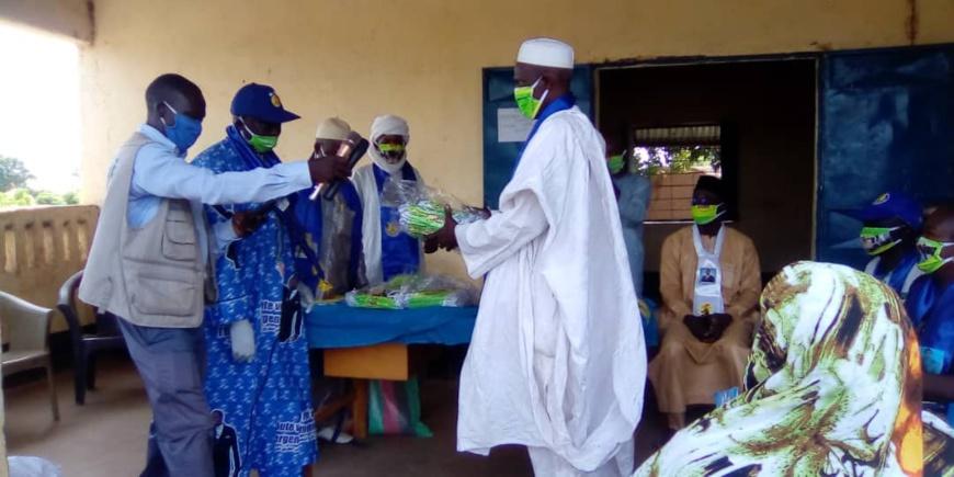 Tchad - COVID 19 : un don de 5000 masques offerts au Mayo Kebbi Ouest. ©Foka Mapagne/Alwihda Info