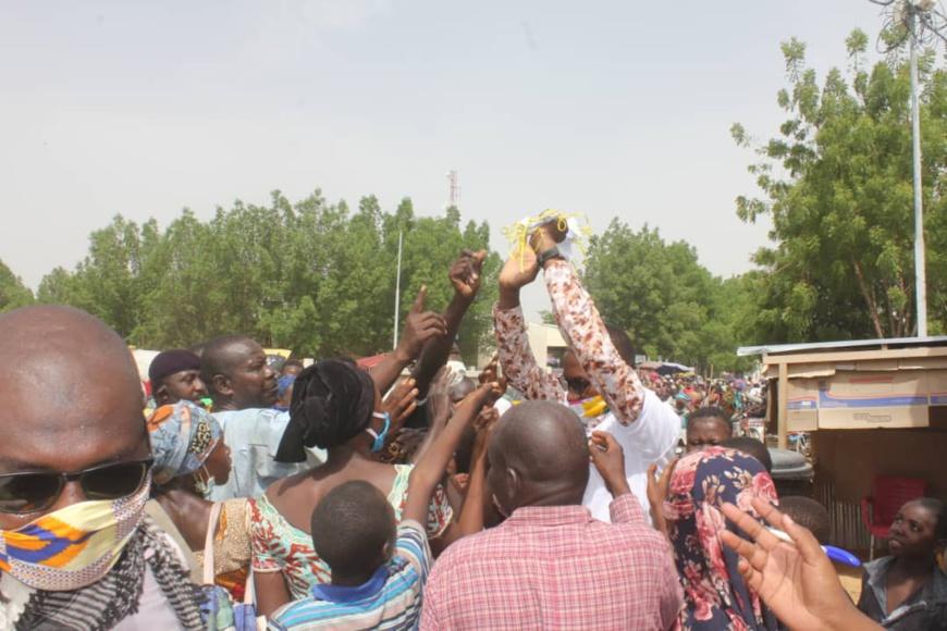 Tchad : au marché Taradona de N'Djamena, un intense plaidoyer face au Covid-19. © Ben Kadabio/Alwihda Info