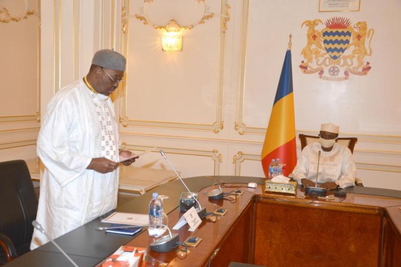 Tchad : dignité de maréchal, le président de l'Assemblée nationale reçu par Idriss Déby. © PR